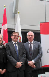 Joanne Perdue, AVP (sustainability), minister Jonathan Wilkinson, and Ed McCauley.